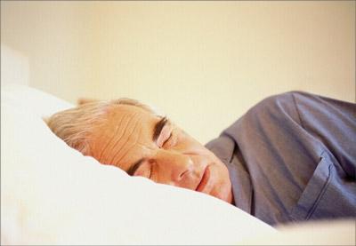 adulto mayor cansado