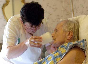 cuidando a una persona con alzheimer