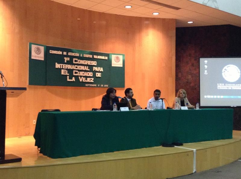 Ponencia Dra. Delia Ávila en el 1er congreso para el cuidado de la vejez