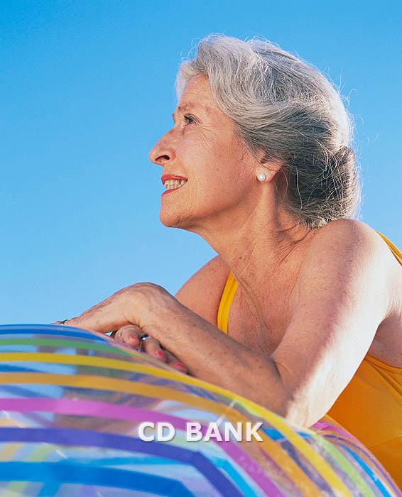 365bdf5232b1 Trajes de baño para mujeres mayores de 60 años | Mayores de Hoy
