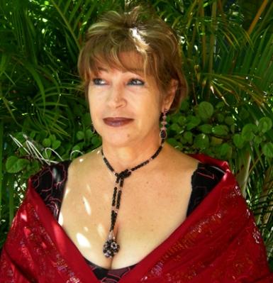 María Luisa Lázzaro: poeta, compositora, cuentista, novelista, ensayista y editora de Venezuela. Nacida en 1950