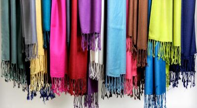 bufandas y mascadas para mujeres mayores de 60 años