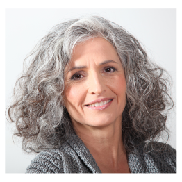Smiling-Woman-with-Gray-Hair