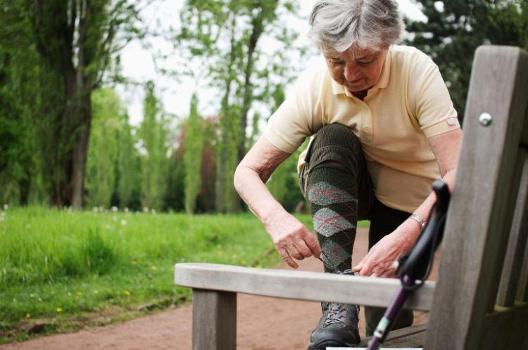 elección de zapatos para personas mayores