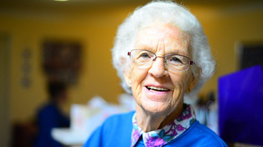 Cómo comunicarse con las personas mayores - Mayores de hoy.jpeg