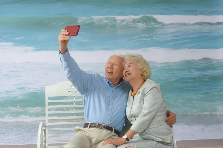 4 maneras de ganar dinero desde casa para personas mayores-mayoresdehoy