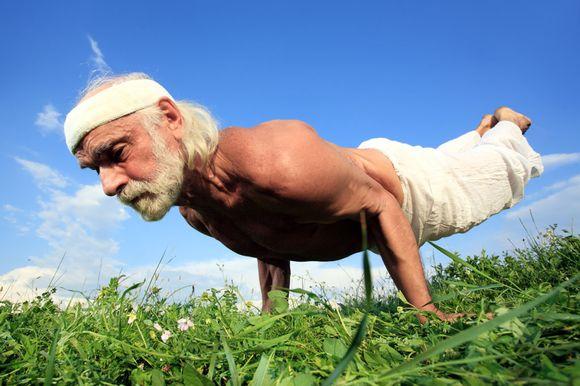 adulto mayor yoga