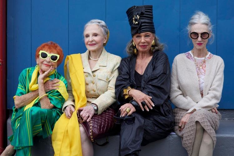 fashionable-ladies