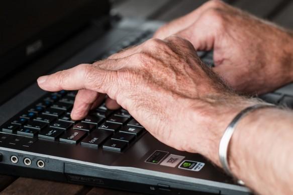 Internet y personas mayores
